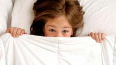 đái dầm, người lớn, nguyên nhân, di truyền, rối loạn hormone, bàng quang, rối loạn thần kinh, stress, lạm dụng tình dục, cuasotinhyeu