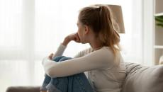 dậy thì, mâu thuẫn với cha mẹ, anh chị em, mọi người cư xử không đúng, hay bị mắng