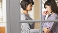 bố mẹ ly hôn, ở với bà, bắt nghỉ học, đi làm, buồn chán, không có tương lai