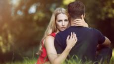 có chồng, yêu nữ giới, mất cảm xúc, song tính, muốn yêu nữ giới