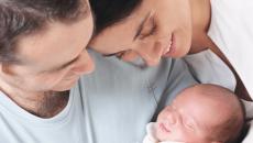 Sau sinh chưa có kinh nguyệt có thể dùng thuốc tránh thai hàng ngày hay không