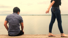 bạn gái đòi chia tay, cha mẹ ngăn cản, không cho lất chồng xa, đòi chia tay