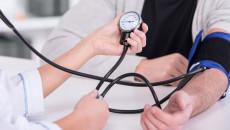 Có nên có con khi chồng đang điều trị tăng huyết áp không ?