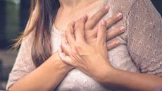 Hai bên ngực bị đau khi mới 17 tuổi thì có nguy hiểm không ?