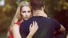 bạn trai, vô tâm, không quan tâm, nhạt nhẽo, tủi thân, mệt mỏi khi yêu