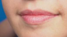 """Những bệnh lý nào có thể lây qua đường """" yêu bằng miệng """" ?"""