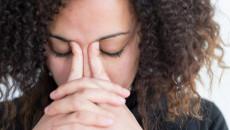 """Thấy """" nhờn nhờn cổ họng"""" khi ăn có phải là dấu hiệu mang thai không ?"""