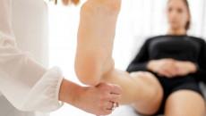 Tật chân thâp chân cao có thể khắc phục được hay không ?