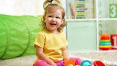 Trẻ 20 tháng tuổi đi tiểu màu trắng đục có phải là do tăng cân ?