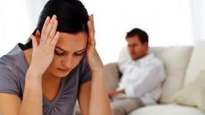chồng vô tâm, nợ nần, sàm sỡ mẹ vợ, chán chồng, muốn ly hôn, sợ mất nhà