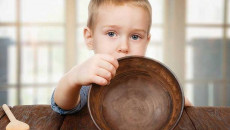 Mẹ phải làm gì khi con đã hơn 3 tuổi nhưng chỉ nặng có 10 kg?