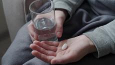 Uống tránh thai khẩn cấp khi mới 16 tuổi có hại không???