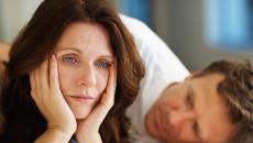 trung niên, chồng nhắn tin, thân mật, phụ nữ khác, muốn cảnh tỉnh, tâm lý đàn ông