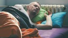 """Cứ đi ngủ là """"cậu nhỏ"""" lại cương cứng!!!"""