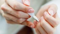 Đang làm móng thì bị chảy máu liệu có bị nhiễm HIV không?