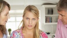 bị coi thường, trọng nam khinh nữ, cha mẹ không quan tâm, bị coi lập dị