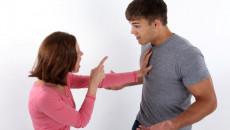 bạn gái giận, không theo nguyên tắc, đòi chia tay, níu kéo, giải thích
