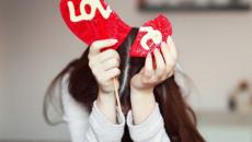 con gái tỏ tình, bị từ chối, chặn liên lạc, không muốn tin, có người yêu rồi