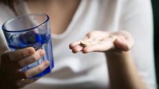 Thuốc tránh thai khẩn cấp có làm chậm ngày rụng trứng?