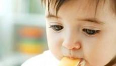 trẻ sơ sinh, u máu, lành tính, ác tính, ảnh hưởng, thẩm mỹ, cha mẹ, lo lắng, hoại tử, thị lực, xạ trị, thiểu dưỡng