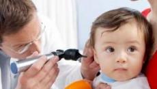 viêm tai, viêm tai giữa, chăm sóc trẻ bị viêm tai, viêm đường hô hấp
