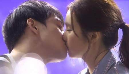 tại sao, hôn nhau, nhắm mắt, cua so tinh yeu