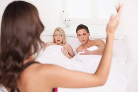 hôn nhân gia đình, chồng ngoại tình, mât niềm tin, hạnh phúc gia đình, tha thứ, lỗi lầm, do vợ, quá chiều chồng