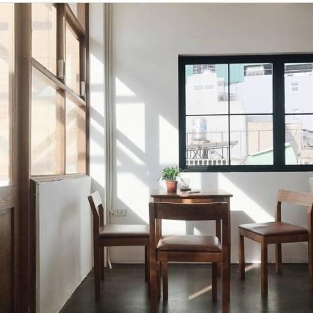 quán cà phê phong cách bắc âu ở hà nội, cà phê đẹp ở hà nội, fika cafe, kone cafe, cua so tinh yeu