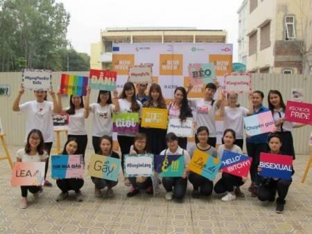 đồng tính, LGBT, bạo lực học đường, kì thị giới tính, cua so tinh yeu