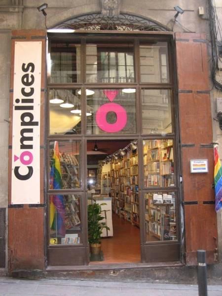 đồng tính, LGBT, hiệu sách đồng tính, cua so tinh yeu