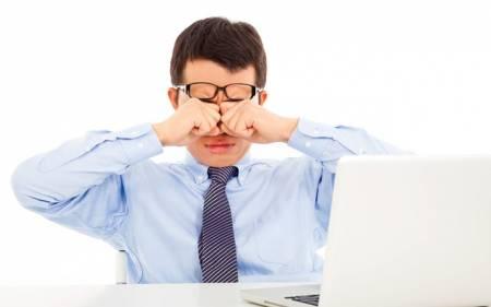 bảo vệ mắt, ngồi máy tính, ánh sáng xanh, màn hình điện thoại, giảm thị lực, cua so tinh yeu