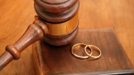 ly hôn, ly hôn vì chồng làm hết việc nhà, ly hôn chồng vì quá chăm, đời sống vợ chồng, cua so tinh yeu
