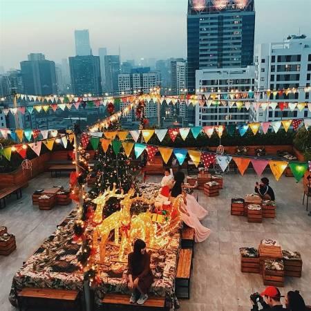 quán cafe, giáng sinh, decor giáng sinh, Hà Nội, nhà 9 nkc, runam cafe, cua so tinh yeu