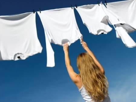 mẹo vặt, mẹo giặt quần áo, giặt quần áo trời nồm, quần áo có mùi hôi, cua so tinh yeu