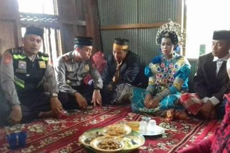 đám cưới, chuyện lạ, cua so tinh yeu