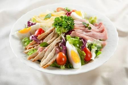 salad, món trộn, thit ga, salad uc ga ap chao, gà áp chảo, salad ức gà, cua so tinh yeu