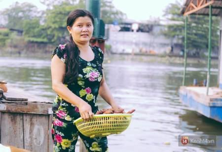 Tết trên những chiếc ghe, Người dân sông trên ghe, Xóm chài, Tết Mậu Tuất 2018, Xóm ghe trên sông, cua so tinh yeu