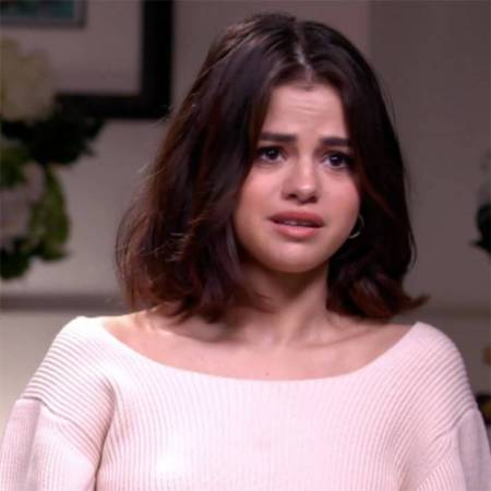 Selena Gomez, selena gomez nhập viện, Selena Gomez nhập viện điều trị tâm thần, sao hollywood, sao bị bệnh, YouTube, Justin Bieber, Hailey Baldwin, Showbiz, cua so tinh yeu