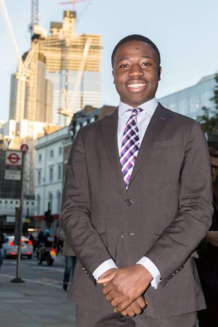 chàng trai, 18 tuổi, thành công, London , cửa sổ tình yêu
