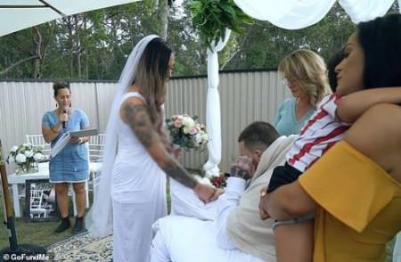 Cô dâu, đám cưới, chú rể, cửa sổ tình yêu.