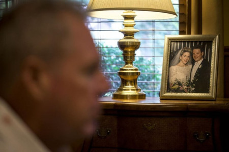 """Chủ tịch, """"chữa"""" đồng tính, người đồng tính, cửa sổ tình yêu."""