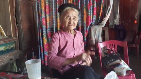 Xôn xao, cụ bà U.90, tự trọng, trả lại sổ hộ nghèo, cửa sổ tình yêu.