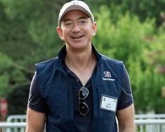 Jeff Bezos, tỷ phú giàu nhất thế giới, ngủ đủ giấc, dậy sớm, Ăn sáng cùng gia đình, amazon, Blue Origin, thành công, thói quen, cua so tinh yeu