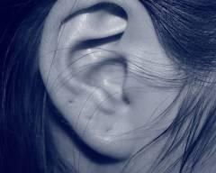 bệnh hiếm gặp, bệnh lạ, mất thính lực, cua so tinh yeu
