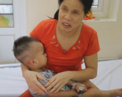 bé 19 tháng ung thư võng mạc ,bố mẹ mù lòa chăm con bị ung thư, Bệnh viện K, K Tân Triều, cua so tinh yeu