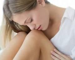 viêm buồng trứng, quai bị, viêm buồng trứng cấp tính, đau bụng âm ỉ, viêm hố chậu, ra huyết trắng, điều trị nội khoa, vacxin phòng quai bị,