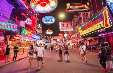 đồng tính, đồng giới mại dâm, mại dâm nam, chuyển giới, giới tính, Thái Lan, lgbt, gay, les, cua so tinh yeu