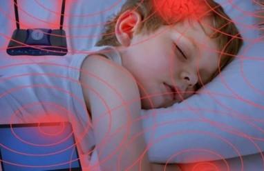 Tắt wifi trước khi đi ngủ nếu không muốn làm hại con bạn