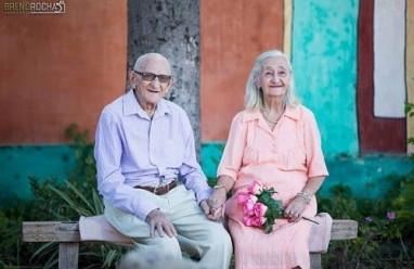 tình yêu  ,   tuổi già ,    cụ ông    , cụ bà   ,  cảm động