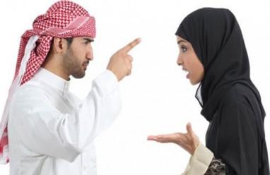 phụ nữ trang điểm, mỹ phẩm, mặt mộc phụ nữ, phu nu trang diem, my pham, mat moc phu nu, phụ nữ Dubai, phụ nữ Arab